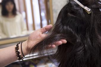 髪の毛の状態に合わせて薬剤の調合